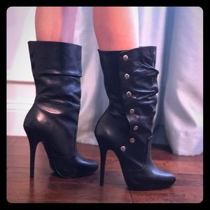 Aldo Sexy Black Boots with Snap Closure